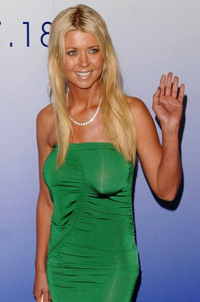 tara reid 12 Famous Celebrities With Worst Boob Jobs Ever