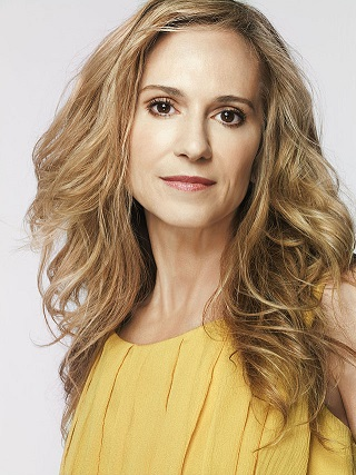 holly hunter 15 Celebrities Who Have Aged Well