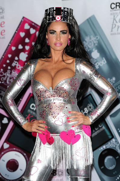 katie-price-12-Famous-Celebrities-With-Worst-Boob-Jobs-Ever