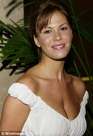 nikki cox before photos, nikki cox plastic surgery before after photos, nikki cox plastic surgery, nikki cox plastic surgery breast implants, nikki cox plastic surgery botox, nikki cox plastic surgery lip injection