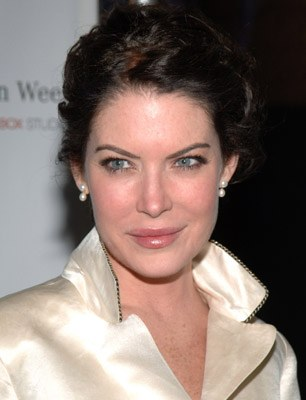 Lara Flynn Boyle plastic surgery, Lara Flynn Boyle plastic surgery before after photos, Lara Flynn Boyle nose job, Lara Flynn Boyle lip augmentation, Lara Flynn Boyle facelift, Lara Flynn Boyle botox4
