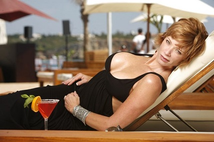 Lauren Holly plastic surgery, Lauren Holly plastic surgery before after, Lauren Holly boobs, Lauren Holly breast implants, breast augmentation, botox2