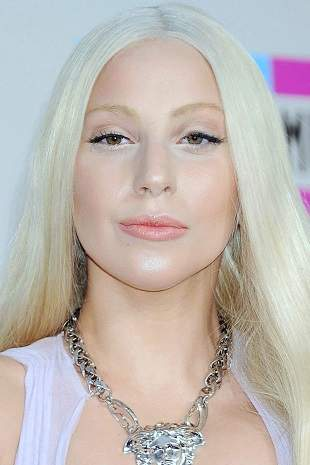 lady gaga plastic surgery, lady gaga photos, lady gag plastic surgery before after photos, lady gaga nose job, lip injection, botox, lady gaga without makeup3
