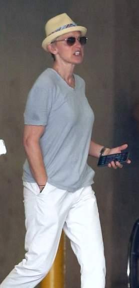 Ellen DeGeneres plastic surgery, Ellen DeGeneres photos, Ellen DeGeneres face lift, Ellen DeGeneres neck lift0