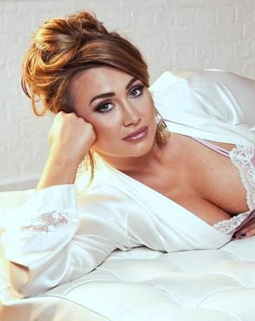 Lauren Goodger plastic surgery, Lauren Goodger breast implants, breast augmentation, lip injection, Lauren Goodger photos, botox1