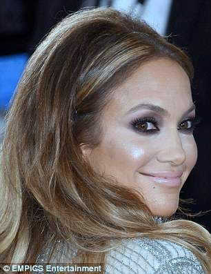 Jennifer Lopez plastic surgery, Jennifer Lopez botox, Jennifer Lopez plastic surgery before after photos, Jennifer Lopez photos