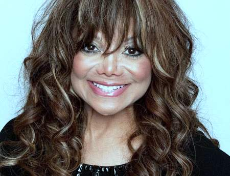 La Toya Jackson plastic surgery, La Toya Jackson photos, La Toya Jackson cosmetic surgery, La Toya Jackson breast implants, breast augmentation, botox, cheek implants, liposuction3