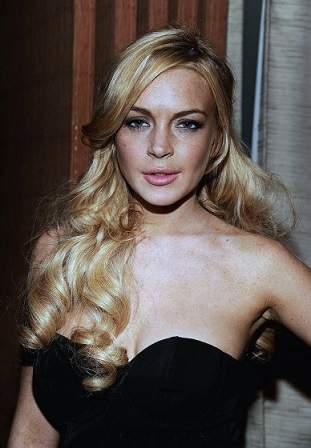 lindsay lohan plastic surgery, lindsay lohan photos, lindsay lohan cosmetic surgery, botox, dermal fillers, lip injection0