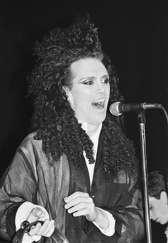 pete burns 1985, pete burns plastic surgery, pete burns worst plastic surgery, pete burns before and after, pete burns transformation